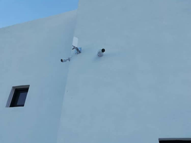 εγκατάσταση καμερας ασφαλείας στη Perla Caldera